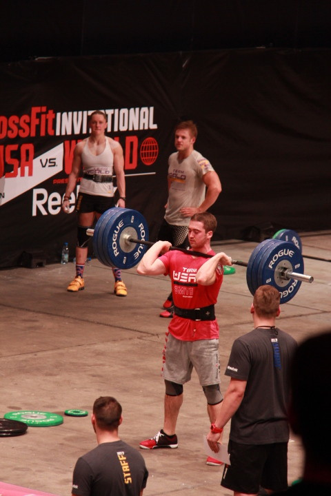 Ben Smith doing an easy 140kg clean